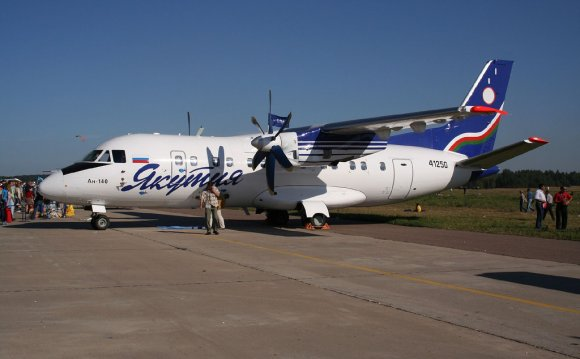 Ан-140 на авиасалоне МАКС-2005