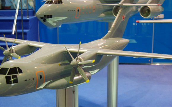 Модель Ил-112В на выставке