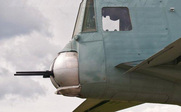 стрелка на самолёте Ан-12