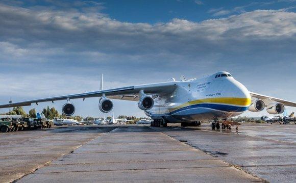 грузовой самолет Ан-225 Мрiя